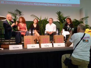 Von links nach rechts: Bischof Dr. Zephania Kameeta, Susanne Wiest, Katja Kipping, Dr. Wolfgang Gern.