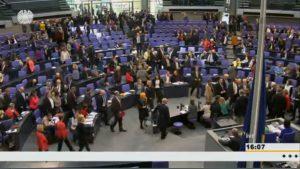Screenshot von Sanktionsdebatte im Bundestag, Quelle: Deutscher Bundestag