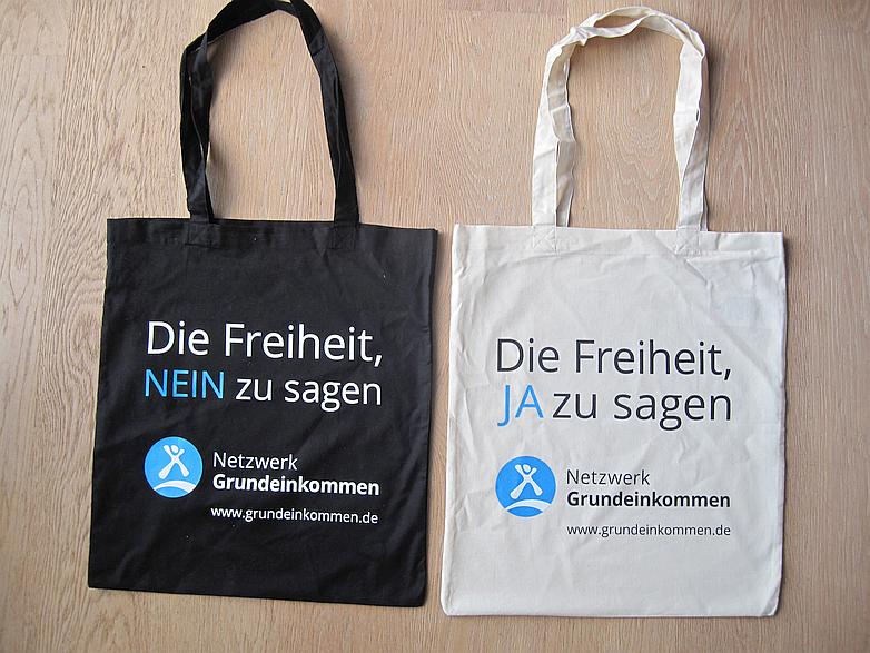 Neue Taschen mit Slogan