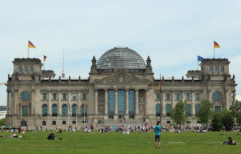 Netzwerk Grundeinkommen unterstützt Brief der Petent*innen an Bundestag
